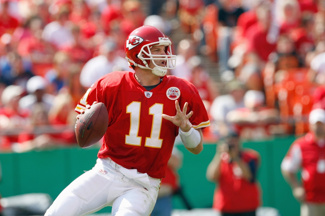 KANSAS CITY - SEPTEMBER 28: Quarterback Damon Huard #11 of the Kansas City Chiefs drops back to pass during the game against the Denver Broncos on September 28, 2008 at Arrowhead Stadium in Kansas City, Missouri. The Chiefs defeated the Broncos 33-19. (Photo by: Jamie Squire/Getty Images)
